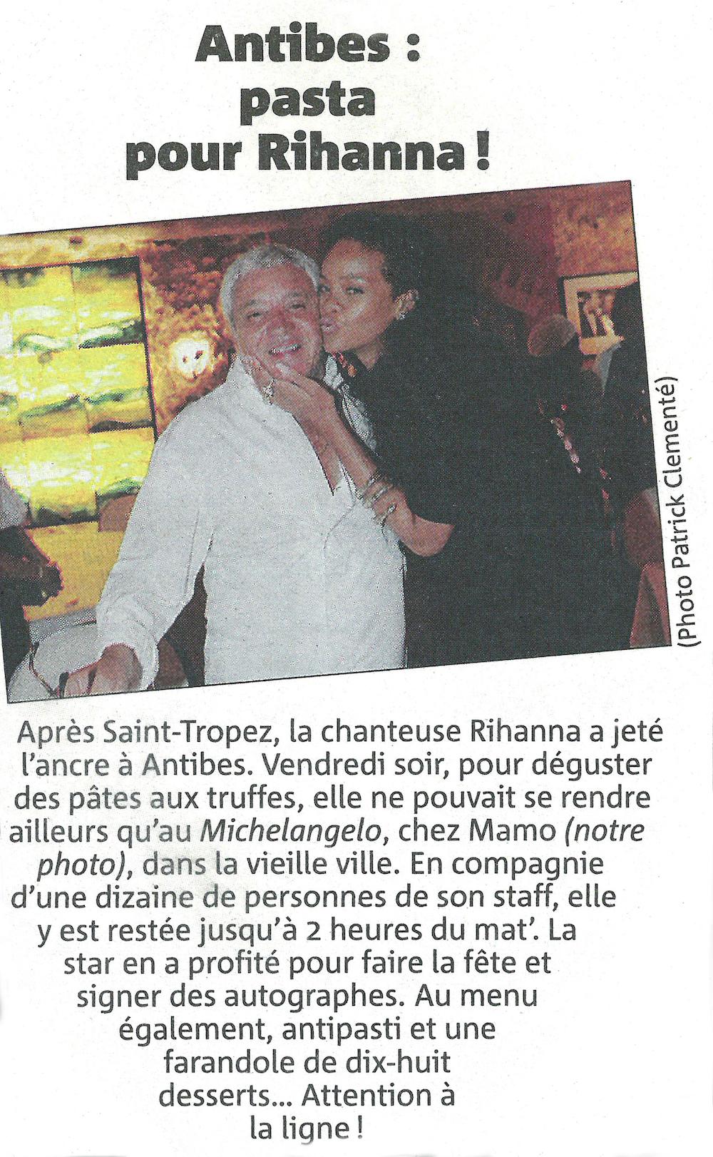 16-Rihanna-et-mamo